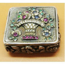 1900 Silver French pill box with precious stones (Emerald and Ruby and sapphire)