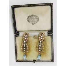 1940's 18ct platinum drop earlings containing 2ct of diamond and 4ct of Aquamarine