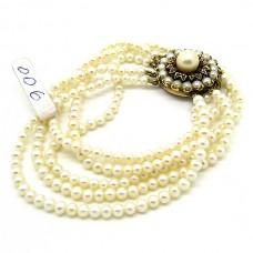 1940's cultured Pearl bracelet.