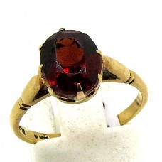 1920's Garnet ring