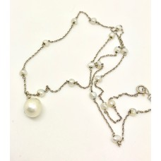 Antique natural pearl necklace